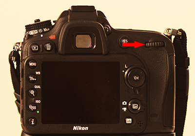 Secondary dial on Nikon DSLR which is used to change the ISO and Shutter speed values to achieve perfect exposure in Manual Mode