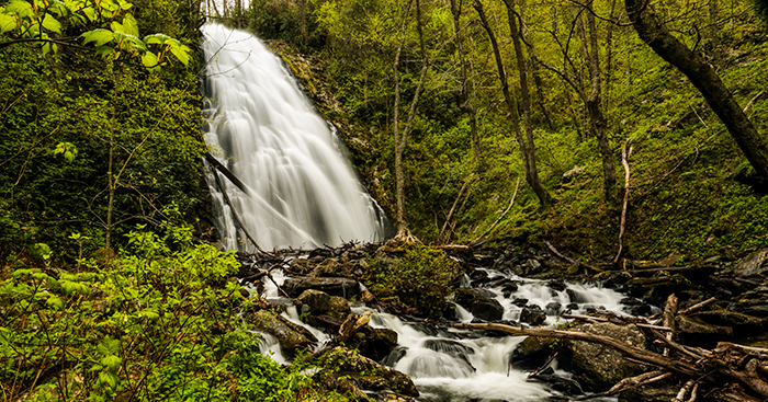 Waterfall Photography Tips. Crabtree Waterfalls in Blue Ridge Parkway.
